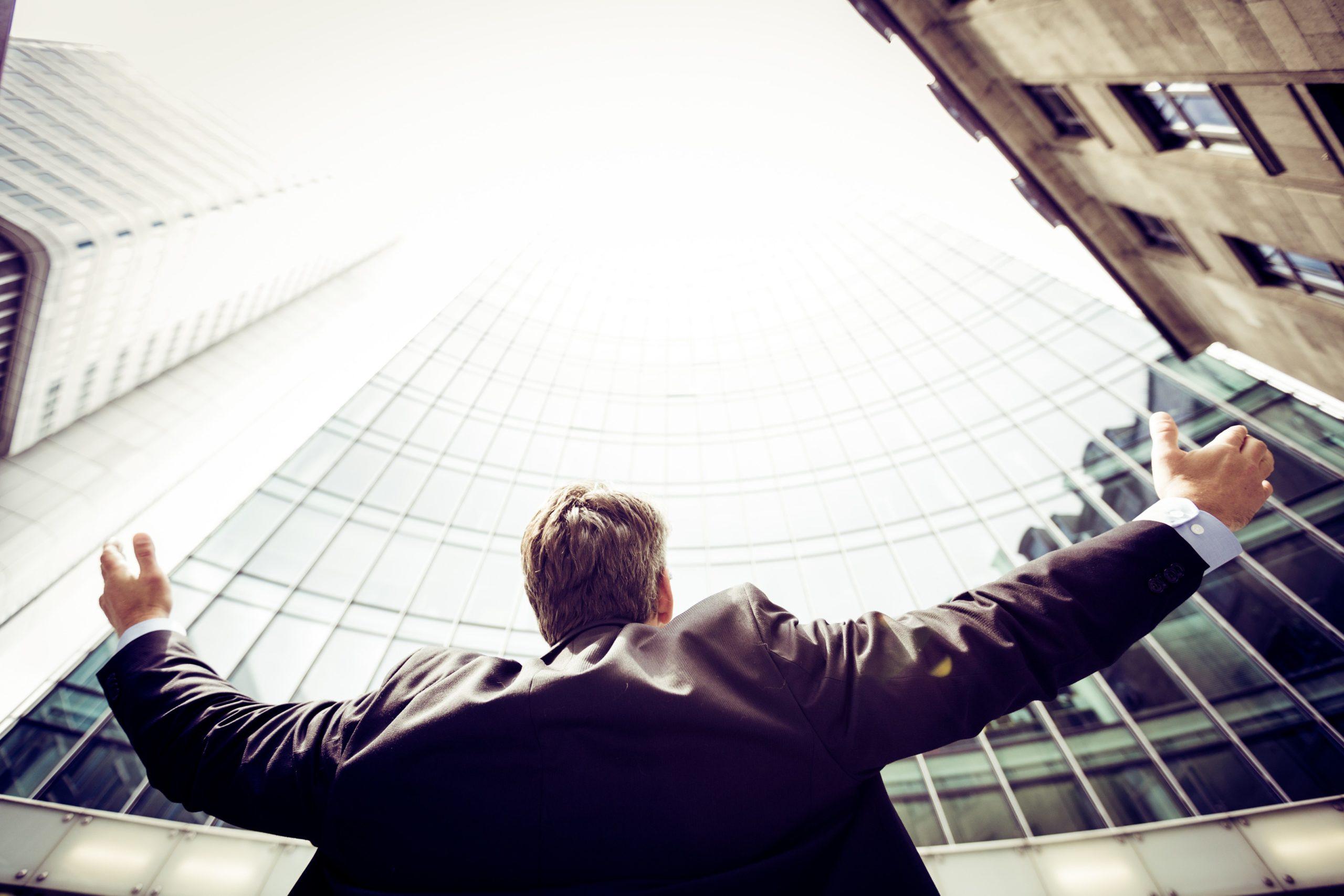 未経験でもIT業界に転職はできる?【伸びる業界でのキャリア設計】