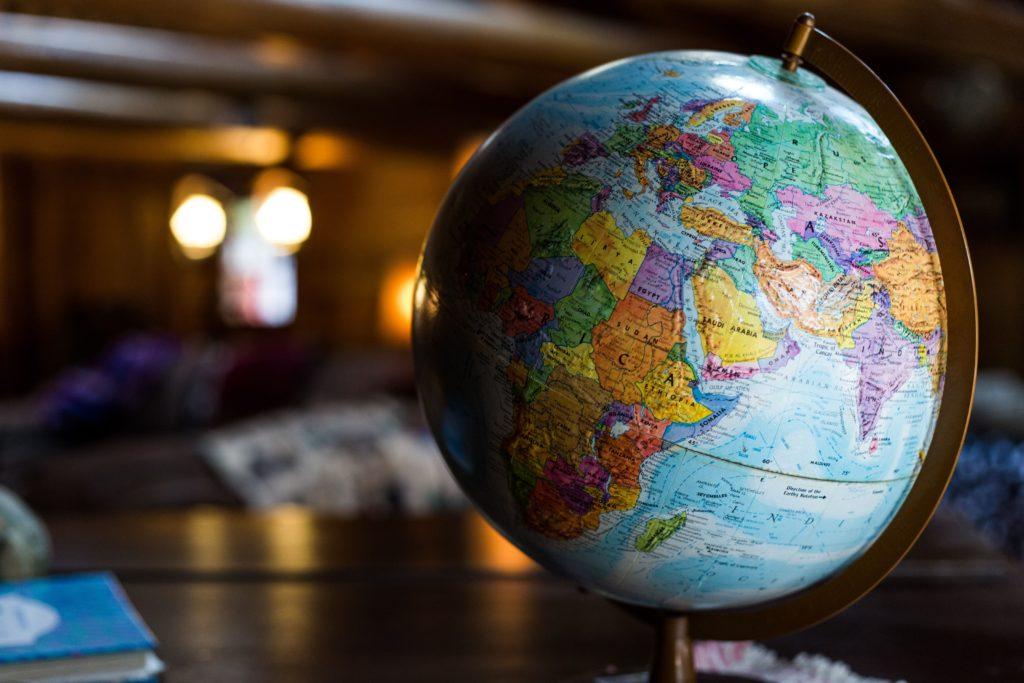 なぜ海外移住をする若者が増えるのか?
