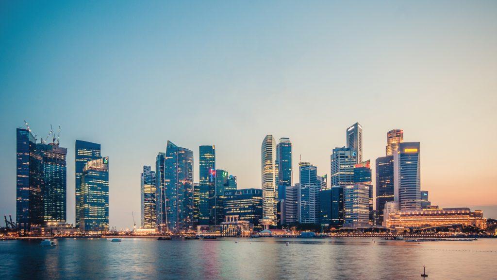 シンガポールがずば抜けて生活費が高い
