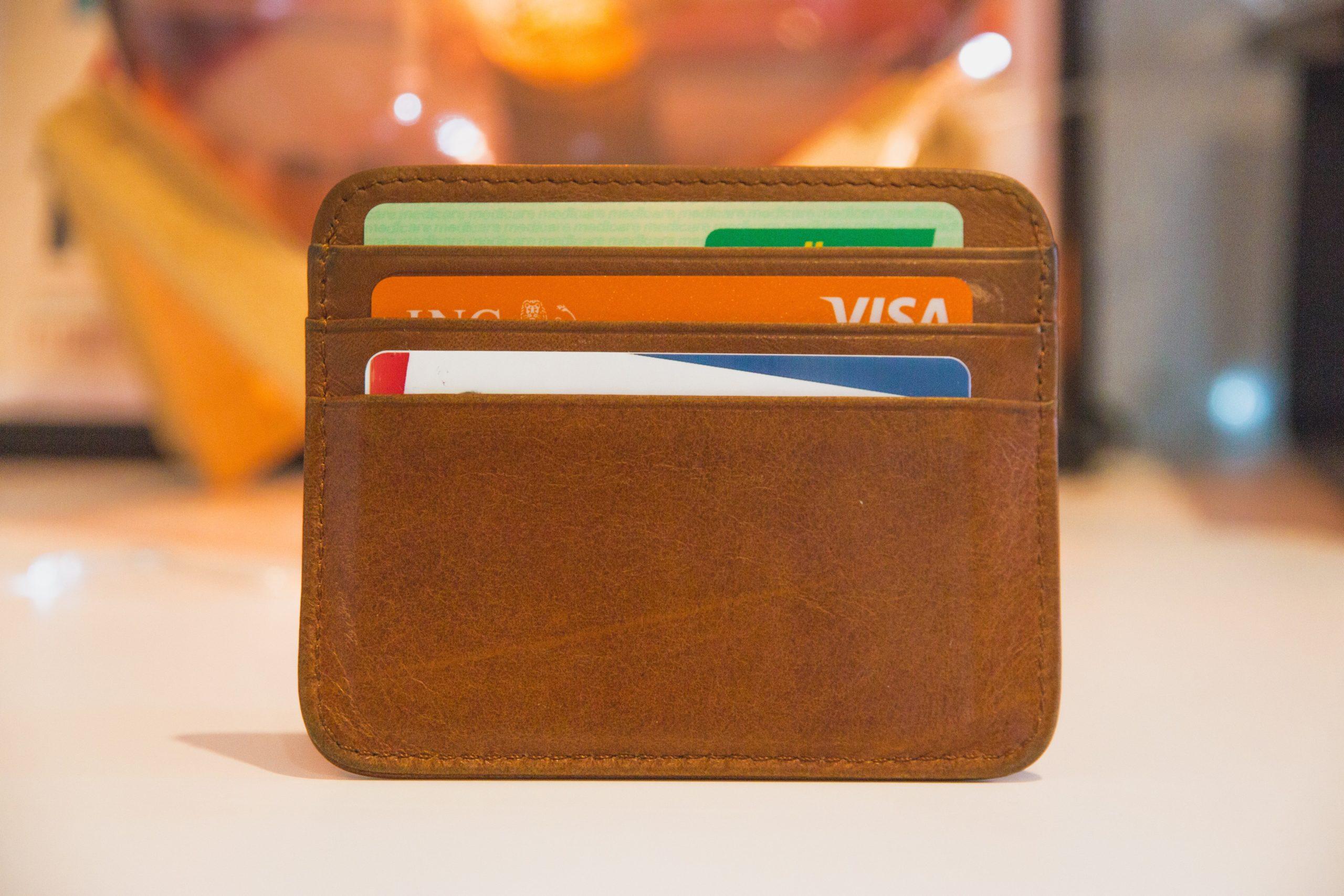 海外で使えるクレジットカードのおすすめは?【最強の三刀流教えます】